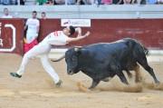Suertes al límite con la élite del recorte de toros. Foto: Eduardo del Campo.